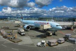 В Канаде планируют выставить на продажу главные аэропорты страны, наш Ванкувер