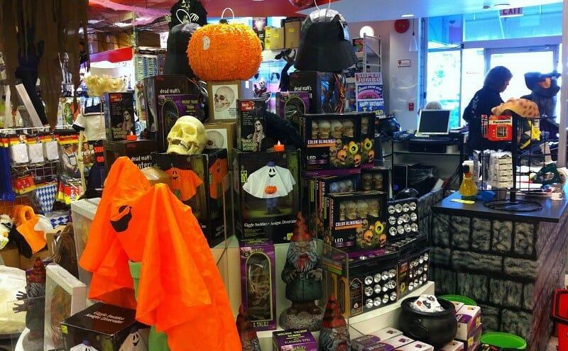 Party Bazaar Ванкувер, как отмечают Хэллоуин в Канаде
