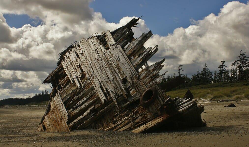 Остатки кораблекрушения в Канаде, хайкинг на Хайда-Гуаи, хайкинг в Канаде