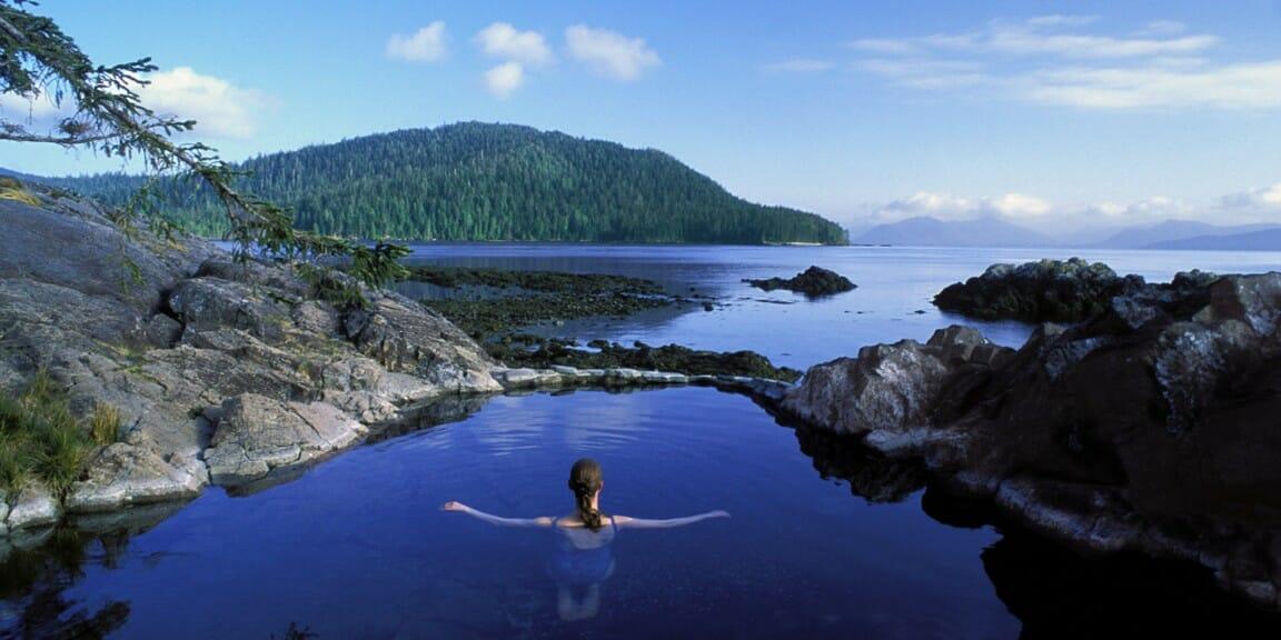 Хайда-Гуаи (Haida Gwaii) - это, архипелаг в Британской Колумбии, горячие источники в Канаде, куда поехать в Канаде
