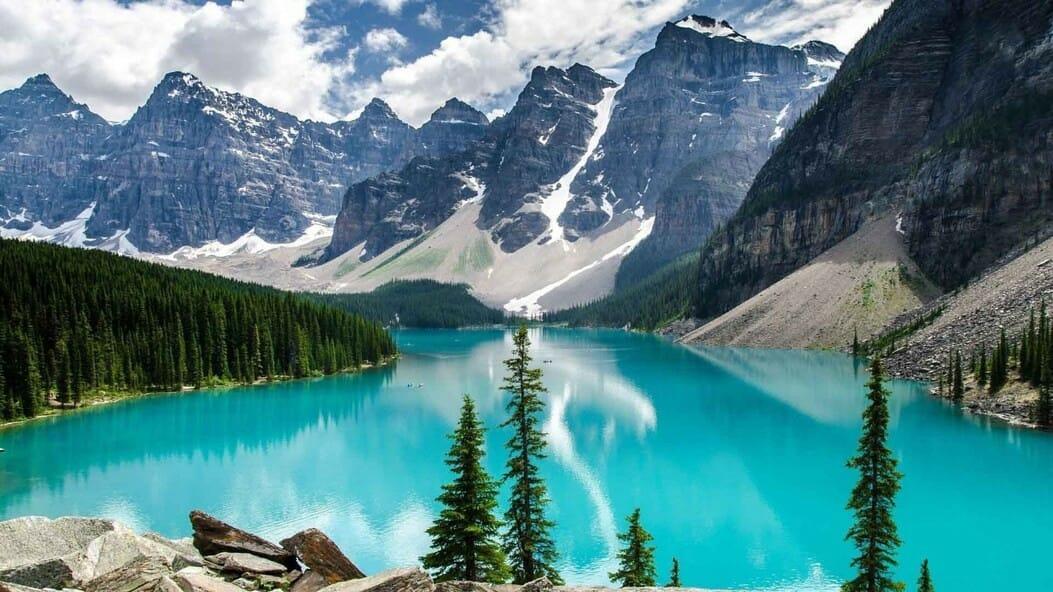 Moraine Lake,лучшие места Канада, озера Канады,нашВанкувер,что нужно обязательно посетить в Канаде