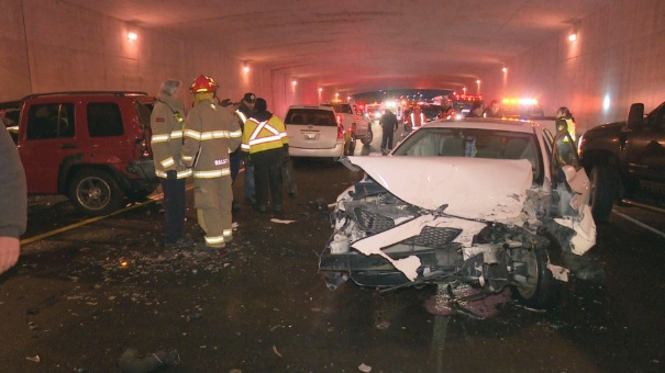 авария в Канаде, 40 машИн попали в ДТП