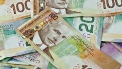 деньги, зарплата Канада, генеральный директор,