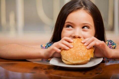 вредная еда, подростки, Канада, запрет рекламы еды