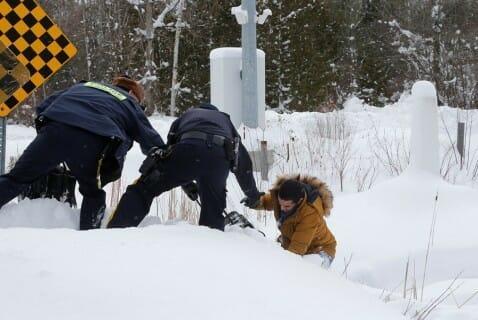 беженцы стремятся в Канаду, США, указ Трампа