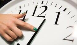 перевод часов, летнее время, Канада, споры, вред и польза, плюс и минус