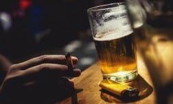 подорожают сигареты, алкоголь, Канада, бюджет