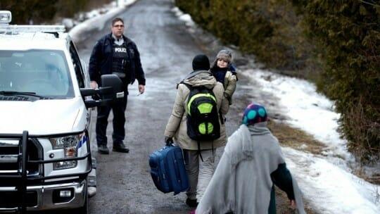 канадцы, опрос, депортация, беженцев, США, Трамп, указ