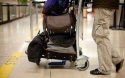 аэропорт, багаж, чемодан, иммигранты уезжают, Канада