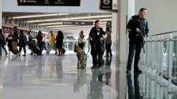 теракт в США, канадец напал на полицеского
