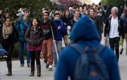 наплыв студентов в Канаду