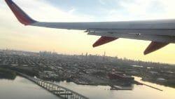 дрон врезался в самолет