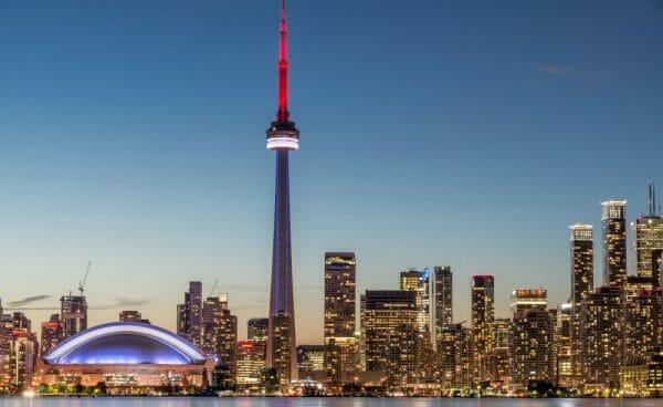 достопримечательности Канады - Cn Tower